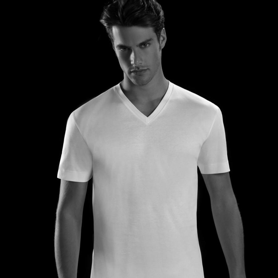 T-shirt scollo a V uomo Julipet